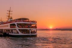 Vue de coucher du soleil de silhouette de bosphorous Photos libres de droits