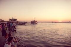 Vue de coucher du soleil de silhouette de bosphorous Images libres de droits