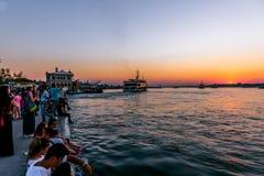 Vue de coucher du soleil de silhouette de bosphorous Photographie stock