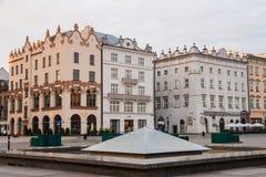 Vue de début de la matinée de place principale, Cracovie, Pologne Photos libres de droits