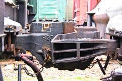Vue de détail sur un coupleur de train de cargaison photographie stock libre de droits