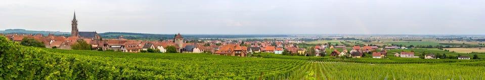 Vue de Dambach-La-Ville en Alsace, France Photographie stock libre de droits