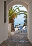 Vue de de MediterraneanSea par la voûte Photo libre de droits