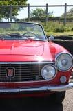 Vue de face d'automobile rouge de vintage de sport de Fiat 124 Image libre de droits