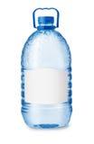 Vue de face de grande bouteille d'eau en plastique avec le label vide Images stock