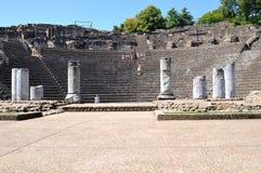 Vue de face de l'amphithéâtre d'étapes des Frances de Lyon image stock
