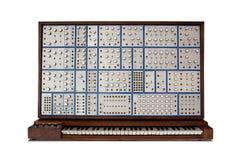 Vue de face de synthétiseur modulaire analogique de cru Photo libre de droits