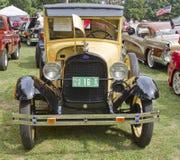 Vue de face jaune du modèle A de 1929 Ford Image libre de droits