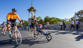 Vue de face ultra grande-angulaire de marathoniens Image libre de droits