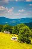 Vue de ferme et de montagnes dans les montagnes rurales de Potomac de Wes Photo stock