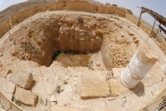 Vue de Fisheye de ruine antique dans la ville Mamshit de désert en Israël Image libre de droits
