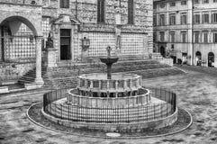 Vue de Fontana Maggiore, fontaine médiévale scénique à Pérouse, I Photographie stock