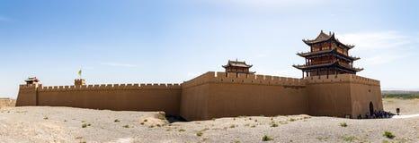 Vue de fort de Jiayuguan de la porte faisant face au désert de Gobi, Gansu, Chine images stock