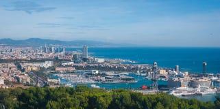 Vue de funiculaire de ville de Barcelone et littoral de l'Espagne photo stock
