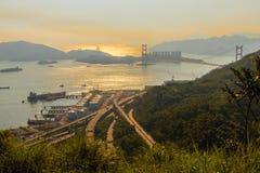 Vue de Hong Kong avec son commerce de commerce de ports et de mer photo stock