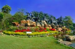 Vue de jardin dans Muang Boran, Thaïlande images libres de droits