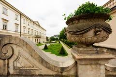 Vue de jardin de château de Mirabell photo stock