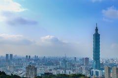 Vue de jour d'horizon de Taïpeh Image stock