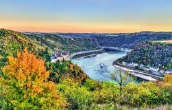 Vue de Katz Castle et du Rhin en automne l'allemagne image stock