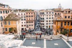 Vue de l'église du dei Monti de Trinita à l'Espagnol Steps Piazza di Spagna Images stock