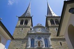 Vue de l'église en l'honneur du saint patron de la luzerne en Suisse photo stock