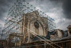 Vue de l'église de St Benoît ou San Benedetto détruit en l'année 2016 Photos stock