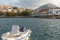 Vue de l'île Pylos a une longue histoire images libres de droits