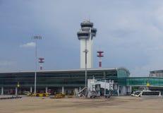 Vue de l'aéroport de Tan Son Nhat dans Saigon, Vietnam Photos libres de droits