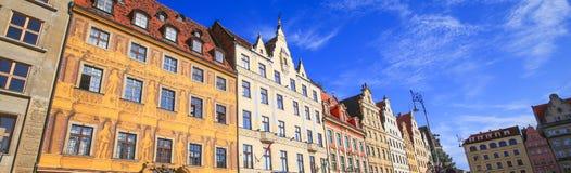 Vue de l'architecture historique rénovée Images stock