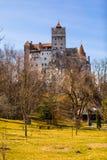 Vue de l'arrière cour du château de son, Roumanie photographie stock