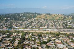 Vue de l'autoroute 5 d'un état à un autre dans le comté de Los Angeles Photographie stock