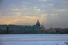 Vue de l'ermitage, le palais d'hiver Images libres de droits