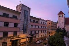 Vue de l'hôtel au lever de soleil Photo libre de droits