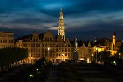 Vue de l'hôtel de ville de Bruxelles à la tombée de la nuit Image libre de droits