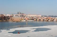 Vue de l'hiver de château de Prague Photographie stock