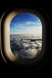 Vue de l'hublot de l'avion Images stock