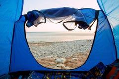 Vue de l'intérieur d'une tente Photographie stock libre de droits