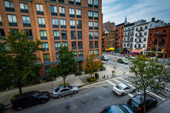 Vue de l'intersection de la 9ème avenue et de la 22ème rue dans Chelse Images libres de droits