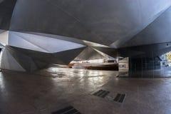 Vue de l'oeil de poissons 180 d'un bâtiment unique dans la ville de Madrid Photographie stock libre de droits