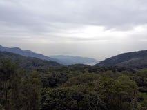 Vue de la côte à partir du dessus de montagne photo stock