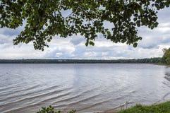 Vue de la côte de lac Photo libre de droits