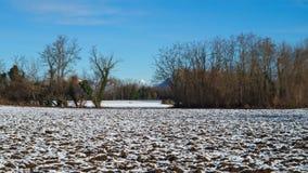 Vue de la campagne avec un peu de neige Photo libre de droits