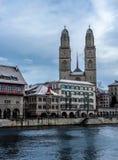 Vue de la cathédrale de Grossmunster à Zurich - 1 Photographie stock libre de droits