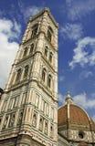 Vue de la cathédrale et du Battistero Images libres de droits