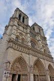 Vue de la cathédrale de Notre Dame de Paris avant le feu d'avril 2019 photos libres de droits