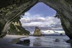 Vue de la caverne à la crique de cathédrale, coromandel, Nouvelle Zélande 18 Image libre de droits
