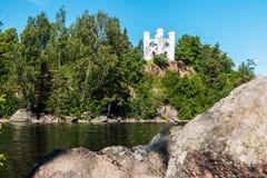 Vue de la chapelle Ludwigsburg sur l'île des morts dans Vyborg Photos stock
