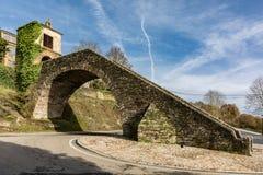 Vue de la chapelle de neige dans Portomarin dans la province de Lugo, point fondamental sur le chemin à la route française de S photo libre de droits