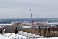 Vue de la construction d'un nouveau stade de football pour le monde Images libres de droits