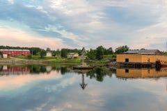 Vue de la crique de prospérité un jour polaire d'été photo libre de droits